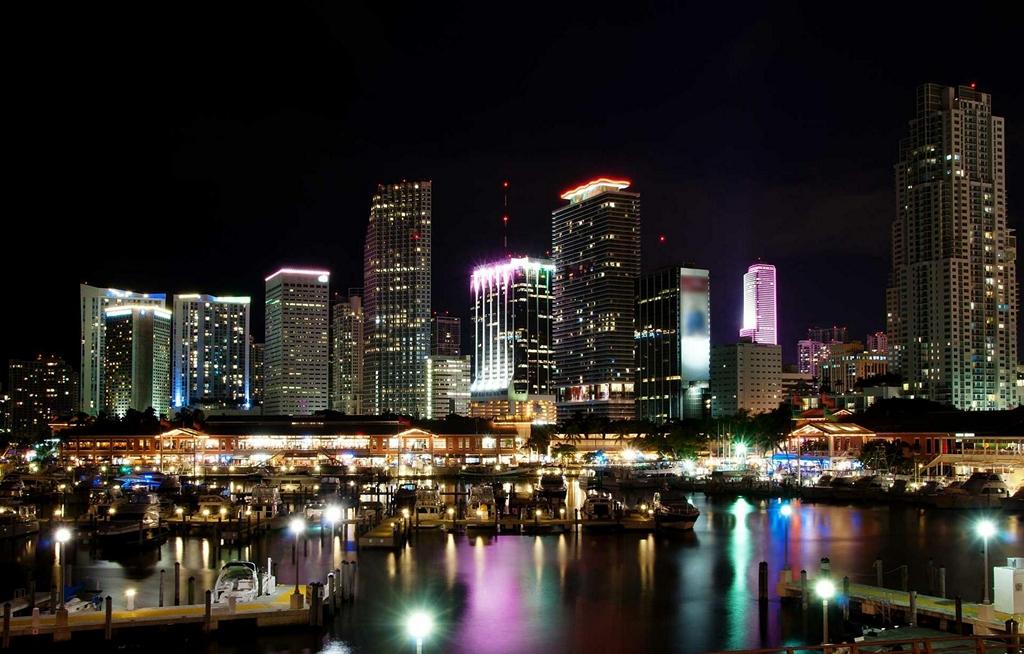 Майами ночью (1)